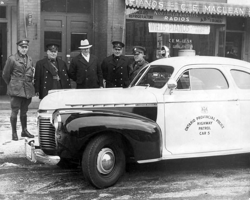 Vintage photo of OPP officers